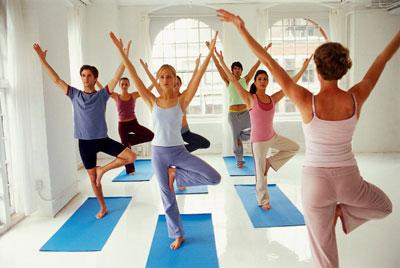 Какой коврик для йоги выбрать женщине