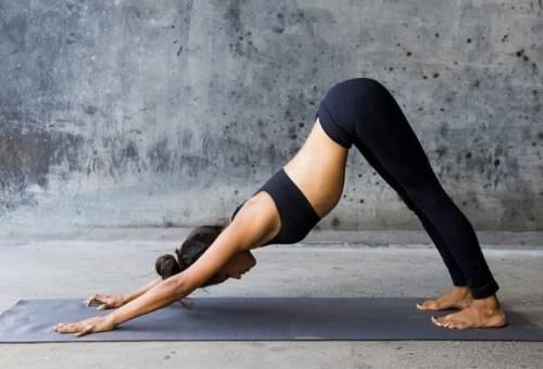 йога дома для спины девушкам