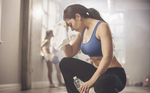 почему тошнота после тренировки