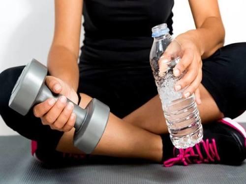 нужно ли пить воду после тренировки