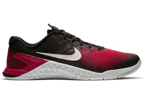 кроссовки для занятий в спортзале