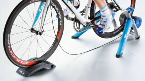 велотренажер для спортивной тренировки