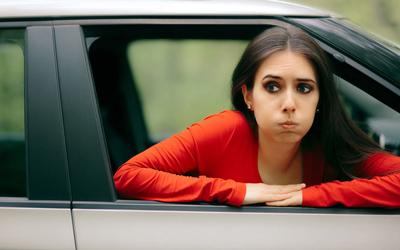 девушка с помощью интуиции ушла от опасности
