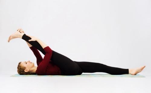 растяжка упражнения в домашних условиях