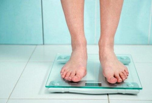 взвешивание на электронных весах
