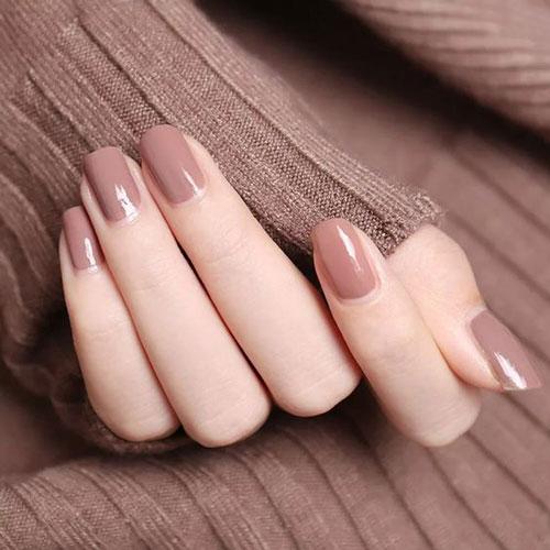 однотонный осенний маникюр на короткие ногти 5