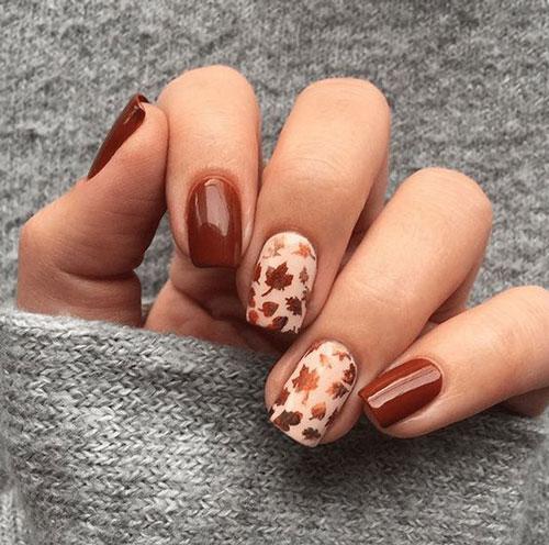осенние листья на коротких ногтях