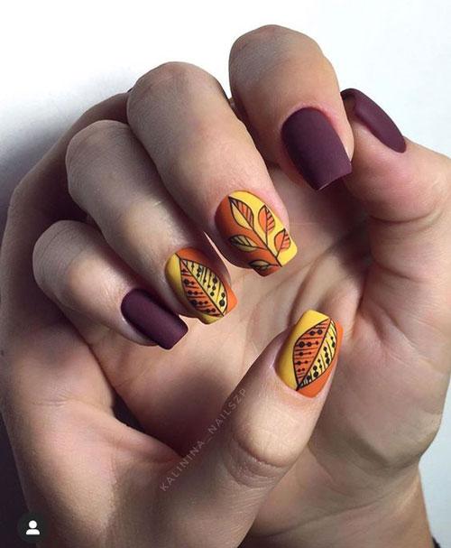 маникюр на короткие ногти с рисунком на тему осень 5