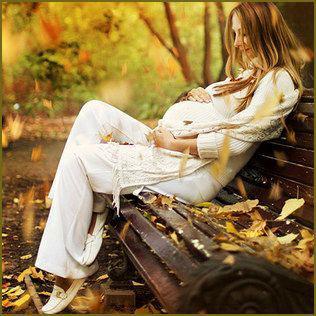 позы для фотосессии беременной на природе осенью фото 4