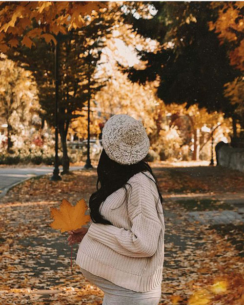 позы для фотосессии беременной на природе осенью фото 3