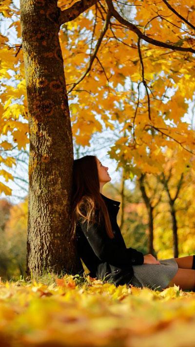осенняя фотосессия для девушки на природе идеи 5