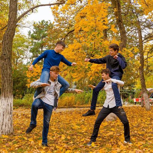 семейная фотосессия осенью на природе идеи фото
