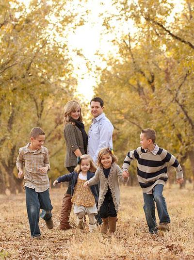 идеи для семейной фотосессии осенью на природе