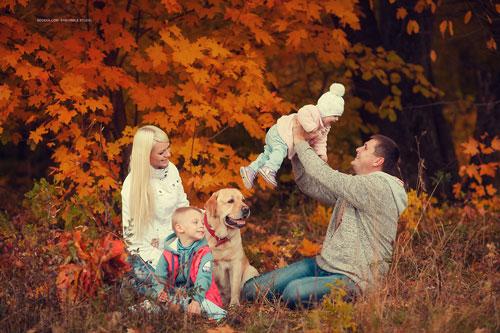 идеи для семейной фотосессии осенью на природе с животными 2