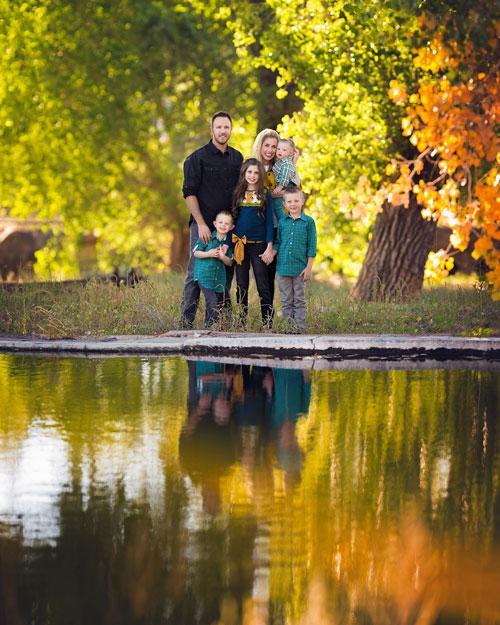 идеи для семейной фотосессии осенью на природе с детьми на природе 4