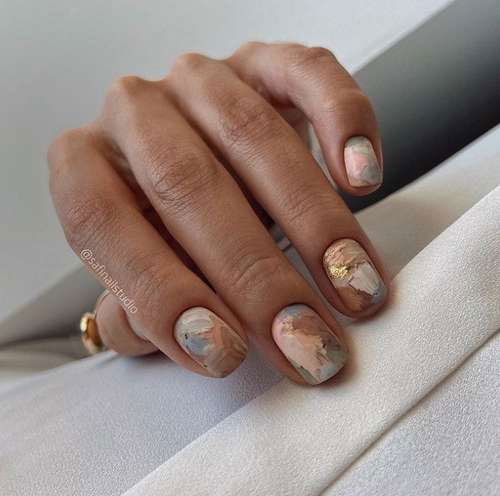 цвет маникюра на короткие ногти осень