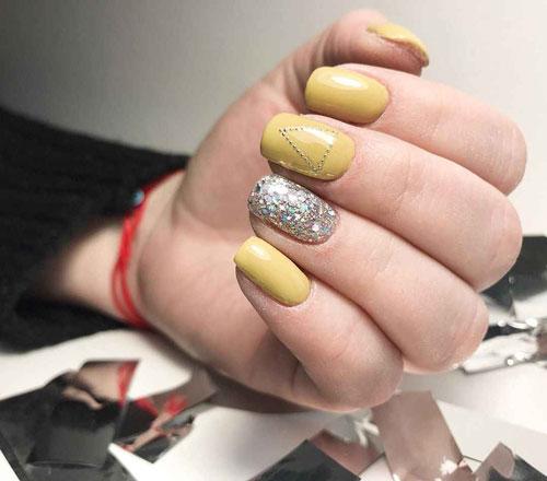 маникюр на короткие ногти осень 2021 однотонные