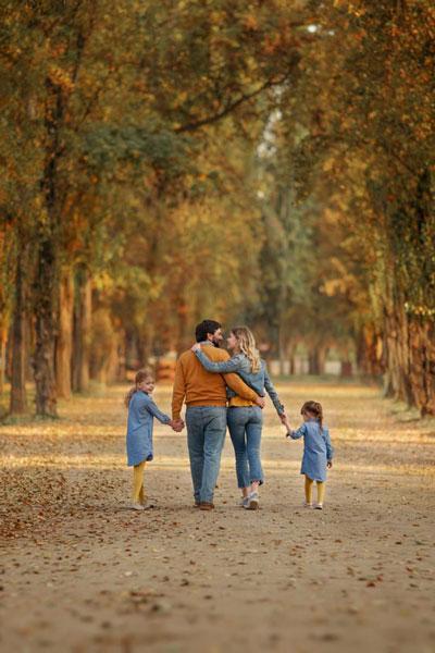 семейная фотосессия осенью на природе идеи фото с детьми 5
