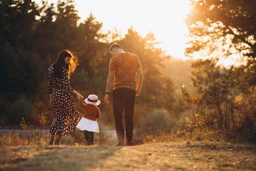 идеи для семейной фотосессии на природе осенью в лесу 8