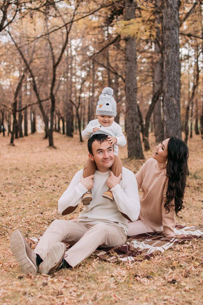 идеи для семейной осенней фотосессии на природе с детьми 3