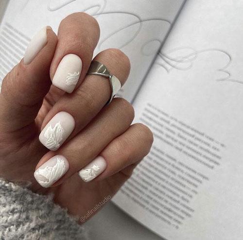 маникюр 2021 осень короткие ногти нежный дизайн 9