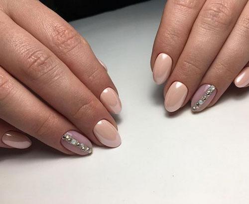 маникюр 2021 осень короткие ногти нежный дизайн 6